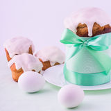 Decorated easter cake and eggs. Royalty Free Stock Photography