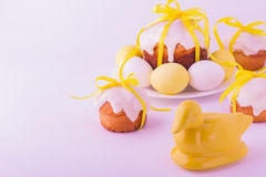 Decorated easter cakes and eggs. Stock Photography