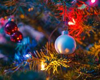 Decorated x-mas tree Royalty Free Stock Photos