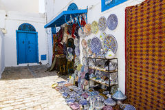 Decorated plates and traditional tunisian souvenirs Royalty Free Stock Photos