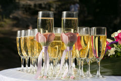 Decorated wedding glasses with champagne Royalty Free Stock Photography