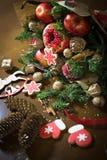 Decoratie die van Kerstmisgiften, boeketten van vruchten maken Royalty-vrije Stock Foto