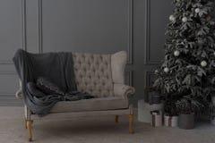 Decoratie in grijze kleur Gelukkige Nieuwjaardecoratie in grijze kleur Royalty-vrije Stock Afbeelding