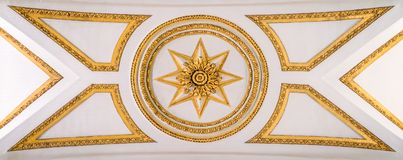 Decoratie in het plafond van de Basiliek van Santa Maria Maggiore in Rome, Italië stock fotografie