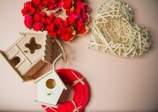 Decoratie met het nestelen dozen en kronen Royalty-vrije Stock Foto