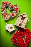Decoratie met het nestelen dozen en kronen Royalty-vrije Stock Afbeelding
