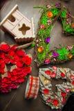 Decoratie met het nestelen dozen en kronen Stock Afbeelding