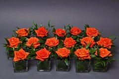 Decoratie met rozen in glazen Royalty-vrije Stock Foto