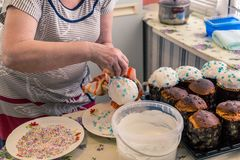 Decoratie van Pasen-cakes Royalty-vrije Stock Afbeeldingen