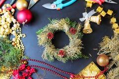 Decoratie voor het maken van Kerstmiskroon Royalty-vrije Stock Afbeelding