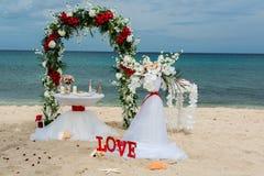 Decoratie voor huwelijken op de oceaan Stock Foto