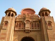 Decoratiedetails en Mooie Gipspleister van het Oude Paleis in Rajasthan, India Stock Fotografie