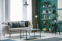 Decoratief helder woonkamerbinnenland Royalty-vrije Stock Foto