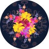 Decoratief rond plaat of theedoos het verpakken ontwerp Boeket van de bloem van de luxetuin op de donkere achtergrond van Paisley royalty-vrije illustratie