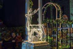 Decoratief verfraaid voor Kerstmisvieringen de straat van Sderot Ben Gurion in Haifa in Israël Stock Foto