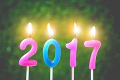 Decoratiekaarsen, Vrolijke Kerstmis en Gelukkig Nieuwjaar 2017 Royalty-vrije Stock Afbeelding