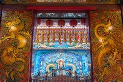 Decoratieve deuren binnen de tempel van Verlichting, Kaohsiung, Royalty-vrije Stock Foto's