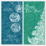 Decoratieve die banner met Kerstmisboom en Kerstmisballen wordt geplaatst Stock Foto's