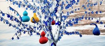 Decoratieve die boom met kwade oogamulet wordt behandeld royalty-vrije stock foto