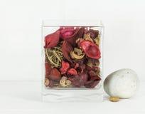 decoratieve droge bloemen binnen in de vaas Stock Fotografie