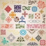 Decoratieve elementen en patronen in de vector stock illustratie
