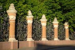 Decoratieve gietijzeromheining Stock Afbeeldingen