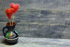 Decoratieve hand - gemaakte harten Royalty-vrije Stock Afbeeldingen