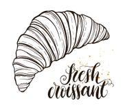 Decoratieve hand getrokken krabbel vectorillustratie Verse croissant die op witte achtergrond wordt geïsoleerdg Zoet woestijnmenu Royalty-vrije Stock Afbeeldingen