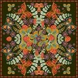 Decoratieve kleuren bloemenachtergrond, aardbeipatroon en overladen kantkader De stoffendruk van de bandanasjaal, zijdehals Royalty-vrije Stock Foto's
