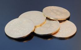 Decoratieve muntstukken van crypto munt Stock Foto