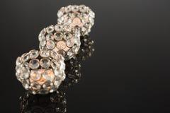 Decoratieve ontwerper handcraft kaarsen op een rij Stock Foto's