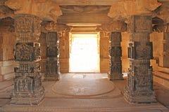 Decoratieve pijlers van zwart basalt in mandappa of Zaal Hazara royalty-vrije stock afbeeldingen