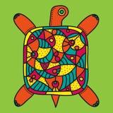 Decoratieve schildpad met helder kleurrijk ornament op een lichtgroene achtergrond Royalty-vrije Stock Afbeelding
