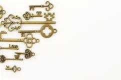 Decoratieve sleutels van verschillende grootte, gestileerde antiquiteit royalty-vrije stock afbeelding