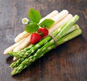 Decorative bunches of green and white asparagus Stock Photography