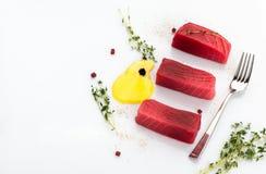 Decoratively διακοσμημένα τρόφιμα στο λευκό στοκ φωτογραφίες με δικαίωμα ελεύθερης χρήσης