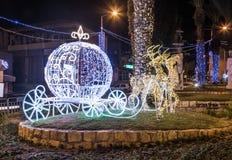 Decorativo adornado para la calle de las celebraciones de la Navidad en Haifa en Israel Imagen de archivo libre de regalías