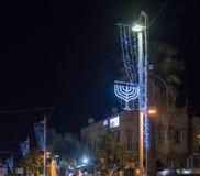 Decorativo adornado para la calle de Sederot Ben Gurion de las celebraciones de la Navidad en Haifa en Israel Fotos de archivo libres de regalías