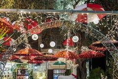 Decorativo adornado para la calle de Sederot Ben Gurion de las celebraciones de la Navidad en Haifa en Israel Fotografía de archivo