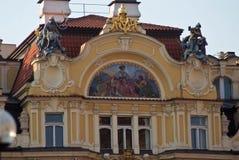 Decorazione architettonica di costruzione a Praga, repubblica Ceca immagine stock
