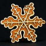 Decorazione bianca e marrone di Natale, fiocco della neve contro la b nera Fotografia Stock Libera da Diritti