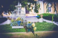 Decorazione d'annata di nozze nel giardino Fotografie Stock Libere da Diritti