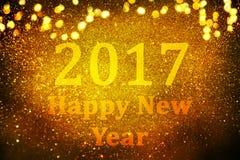 Decorazione del nuovo anno, primo piano sugli ambiti di provenienza dorati Fotografie Stock Libere da Diritti