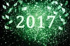 Decorazione del nuovo anno, primo piano sugli ambiti di provenienza dorati Immagine Stock Libera da Diritti