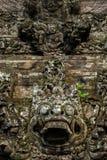 Decorazione del portone di pietra a Bali, Indonesia Immagini Stock Libere da Diritti