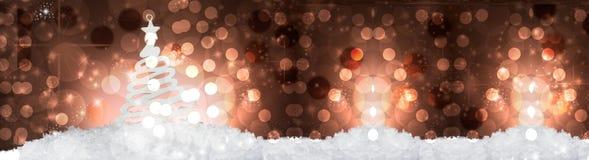 Decorazione dell'albero di Natale su neve immagine stock