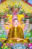 Decorazione dell'altare di Buddha al tempio buddista Fotografia Stock Libera da Diritti