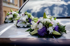 Decorazione dell'automobile di nozze Fotografia Stock