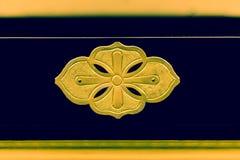 Decorazione dello strato dell'oro sul supporto di Buddha Immagini Stock
