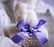 Decorazione di bianco del coniglietto di festa di Pasqua Fotografia Stock Libera da Diritti